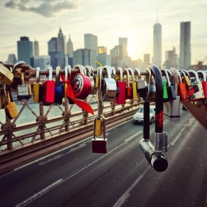 love-locks-brooklyn-bridge